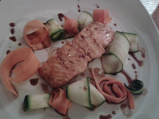 Glass House : Salmon with veg ribbons and soy/honey