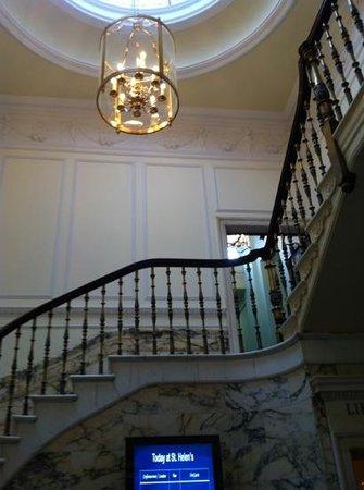 Radisson Blu St. Helen's Hotel, Dublin: Lobby / Treppenhaus