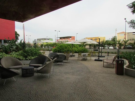Executive Hotel Samba : Exterior Area