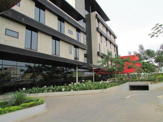 Executive Hotel Samba : Outside