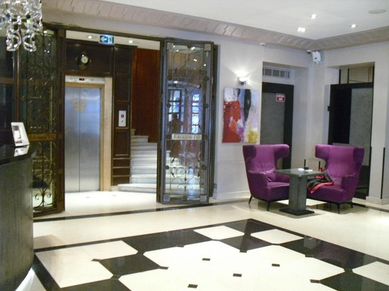 Hotel Edouard 7: entrance
