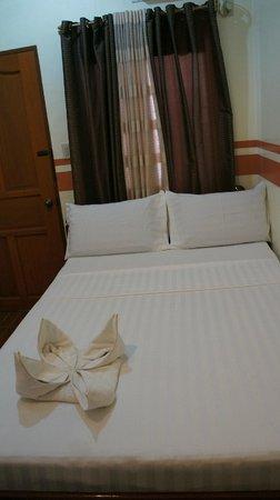 Islands View Inn: twin room