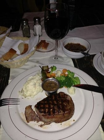 Puerta Vieja  Restaurant: fillet mignon melts in your mouth
