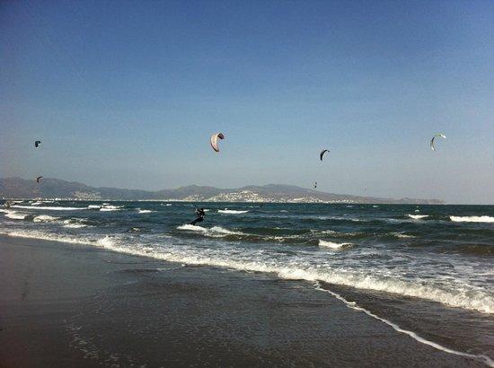 Fundacio l'Olivar : A 5 min de San Pere Pescador una de las mejores playas de la península para la práctica del kite
