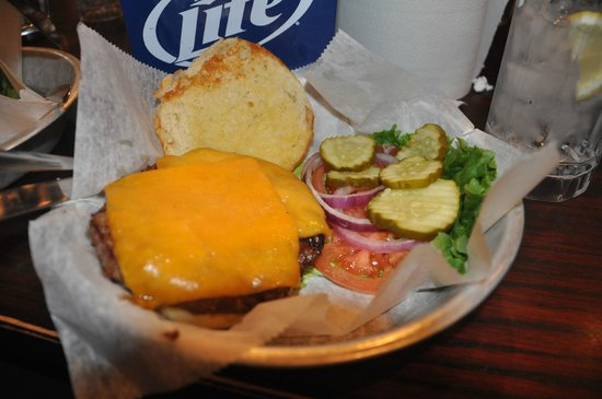 Bub's Burgers & Ice Cream: the Ugly Elk half pound