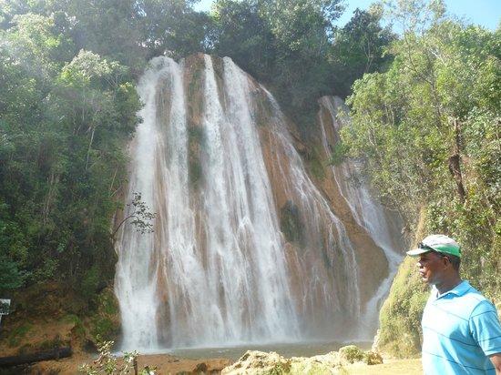 Grand Bahia Principe El Portillo: de waterval een adembenemend spectakel