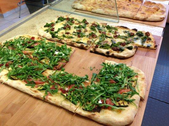 Zizzi Pizza: Pizza con broccoli e salciccia sublime!