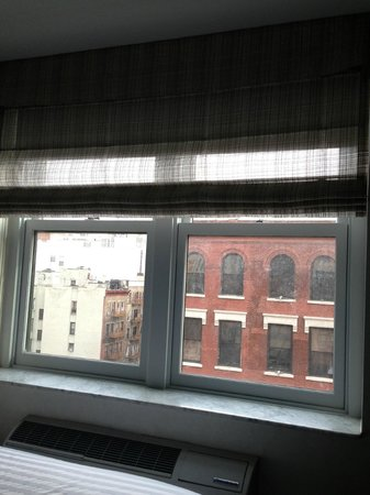 Solita Soho Hotel: dirty windows