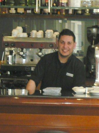Hipotels Dunas Cala Millor: Barkeeper Leo