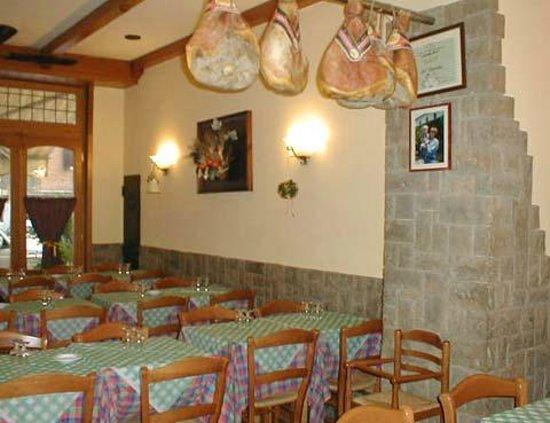 Ristorante il vignola in roma con cucina cucina romana - Pizzeria con giardino roma ...
