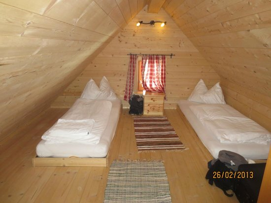 St Martin Chalets: Loft space (one side with 2 beds)
