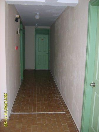 Icmeler Beach Hotel: koridor ve kapılar