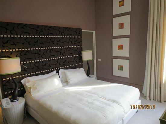 SINA Centurion Palace: Large comfy bed 303