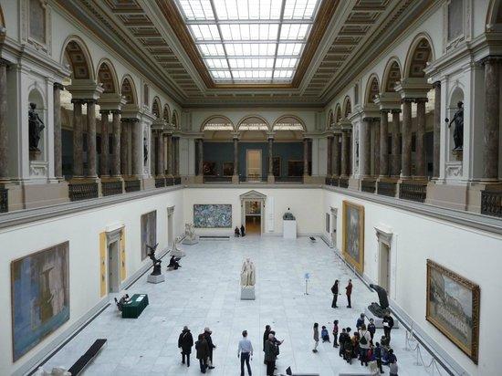 Royal Museums of Fine Arts of Belgium (Musees Royaux des Beaux Arts): main hall