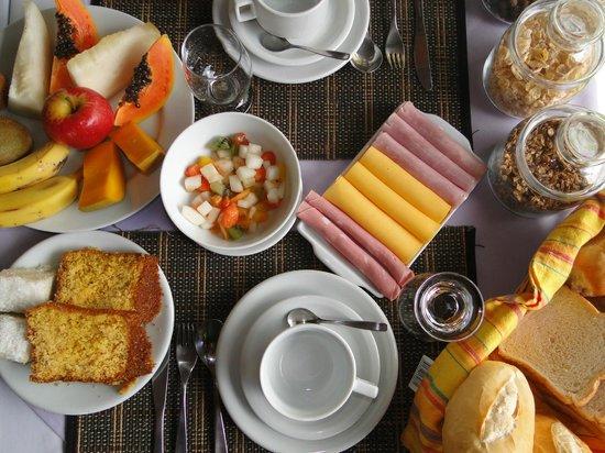Pousada Cauca: Café da Manhã