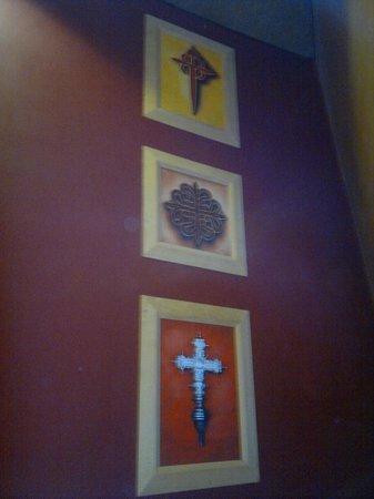 Hotel Escuela Santa Cruz: Кресты