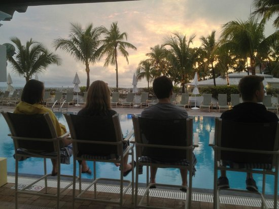 Southernmost Beach Resort: Sunset by the pool