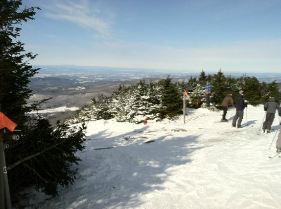Sugarbush Mountain Ski Resort: View from top of Mt. Ellen toward Lake Champlain.