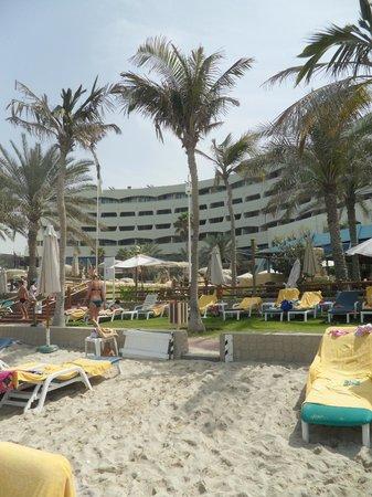 Sharjah Grand Hotel: пляж