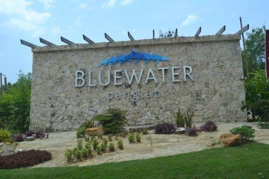 Bluewater Panglao Beach Resort: Entrance