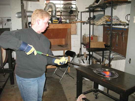 Tacoma Glassblowing Studio: Adding another color element