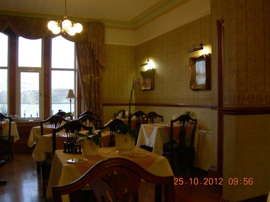 Corriemar Guest House: Dining room in the morning