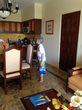 Hacienda Encantada Resort & Spa: kitchen in room 3268