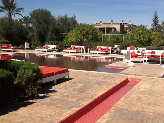 Murano Resort Marrakech: red pool