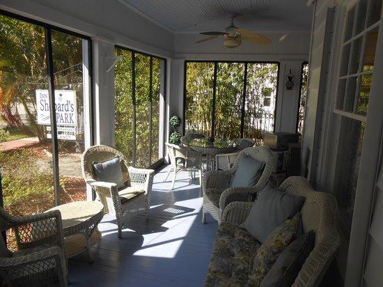 Inn Shepard's Park Bed and Breakfast: Shared Living Room