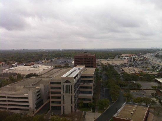 Omni San Antonio Hotel: day view