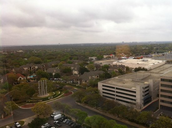 Omni San Antonio Hotel: day view looking east