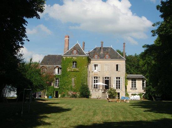 Le Petit Chateau de la Brosse : Maison