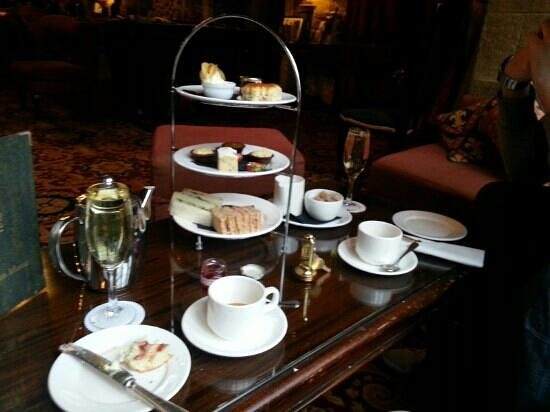 Langley Castle Hotel: afternoon tea