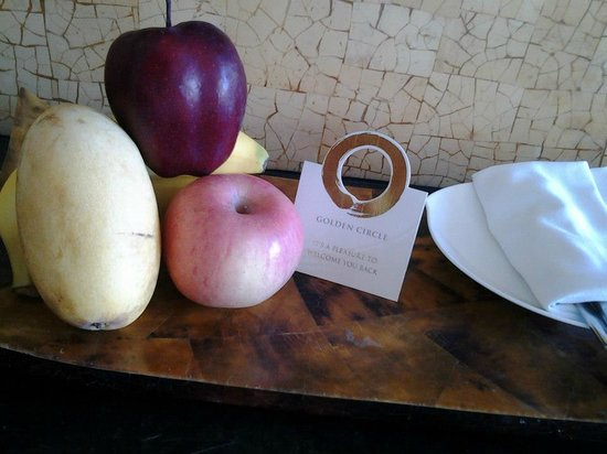 Shangri-La's Boracay Resort & Spa: welcome fruits