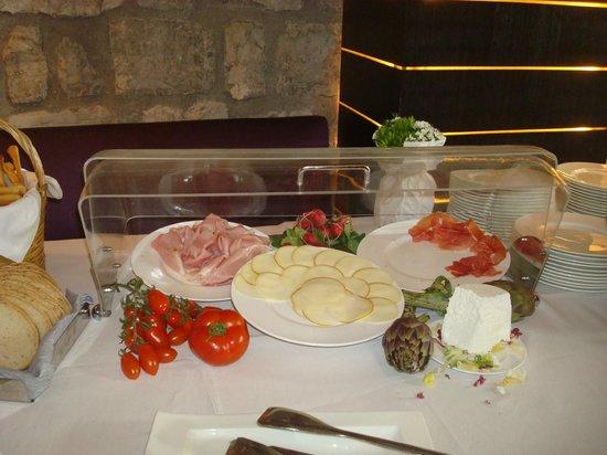 Aquapetra Resort & Spa: la colazione: anche il salato