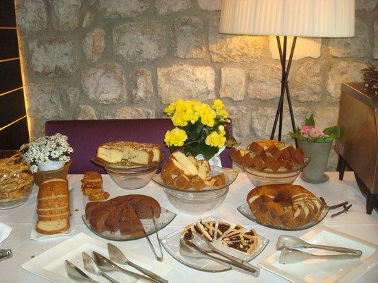 Aquapetra Resort & Spa: la colazione: i dolci