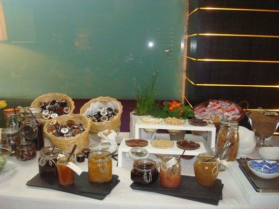 Aquapetra Resort & Spa: la colazione: le marmellate
