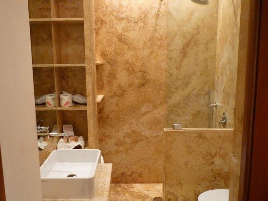 Hotel Sant Anna Roma: salle de bain