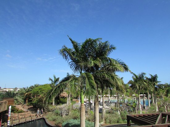 Lopesan Baobab Resort: another pool area