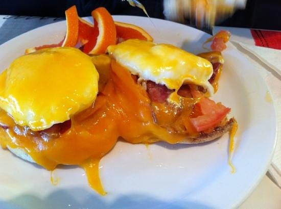 Side Dish Cafe: egg on a muffin