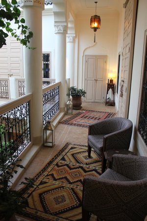 Riad Al Massarah: outside one of the bedrooms