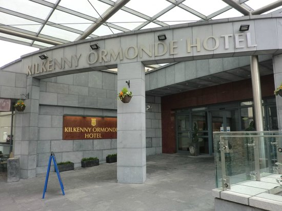 Kilkenny Ormonde Hotel: Entrance