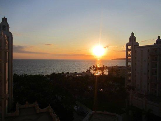Hotel Riu Vallarta: sunset from the room