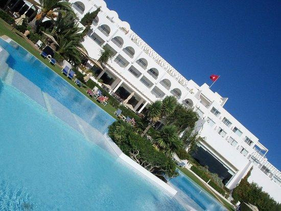 โรงแรมเลอซูลตาน: Piscine