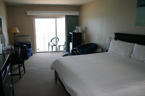 Sun Tower Hotel & Suites: room