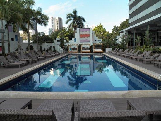 Hotel Riu Plaza Panamá: PILETA