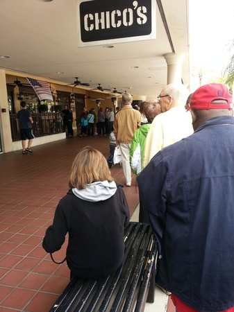 Manalapan, FL: Breakfast line to get in.  Well worth the wait.