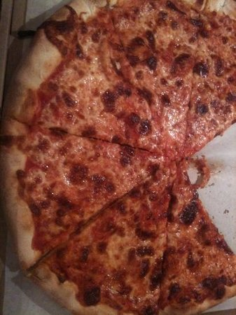 Sam's New York Pizza: burned pizza