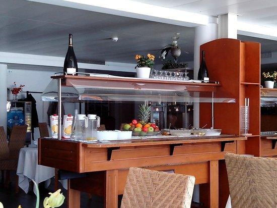 Tresa Bay Hotel: Buffet colazione, frutta :)