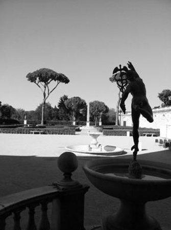 Villa Medici - Accademia di Francia a Roma: to the gardens